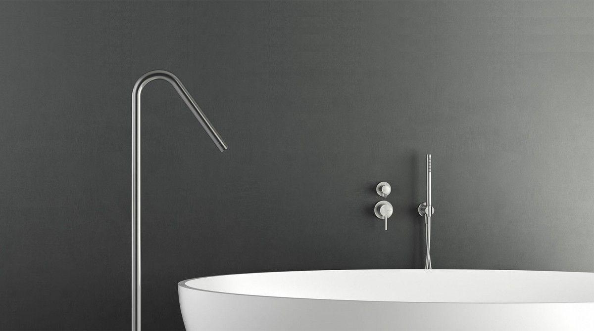 rvs badset met staande vulbuis en handdouche