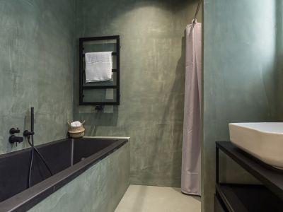 TREND: zwart in de badkamer